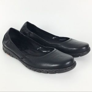 Born Black Leather Flats Size 9.5 / 41